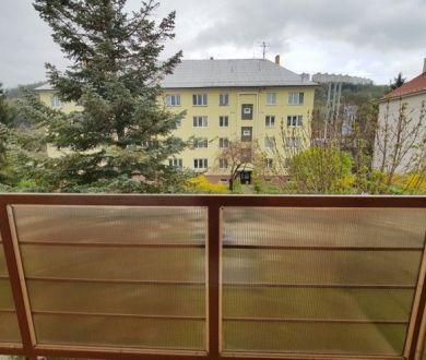 REZERVOVAÝ - Ponúkame na predaj pekný 2-izbový byt na sídlisku Lány, 59m2.