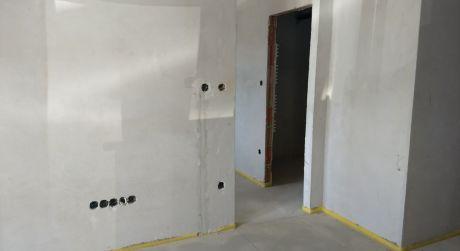 1 a pol izbový byt 36 m2, záhrada 32 m2, parkovacie miesto - Rajka
