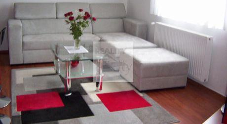 2 - izbový byt 37,07 m2 obytná plocha s parkovacím miestom - Rajka