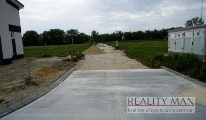 REALITY MAN - SPA rezort - 2. etapa - stavebný pozemok 586 m2 - Kúpele Piešťany, Banka