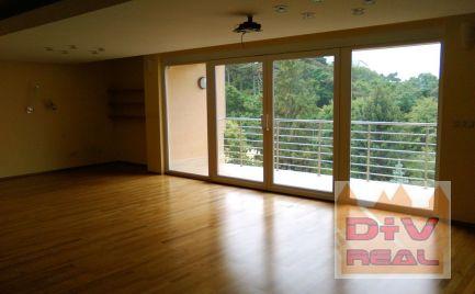 Predaj: 6 izbový rodinný dom, Hrebendova ulica, Bratislava I, Staré Mesto, lokalita Bôrik, interiérový bazén, panoramatický výhľad