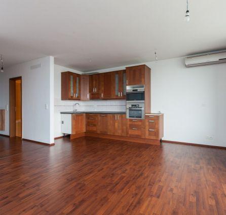 Starbrokers - Exkluzívny predaj - 3 izb. byt v komplexe III veže, ul. Bajkalská, samost. uzamykateľná 3- garáž, 21 poschodie = nádherný výhľad