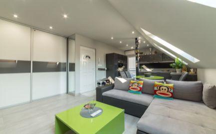 Jedinečný 2 izbový podkrovný byt v novostavbe s parkovaním vo dvore