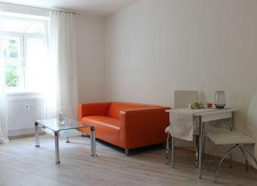 Krásny 2-izb byt s parkovaním v novostavbe v Starom Meste, Jelenia
