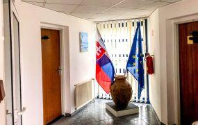 Ponúkame Vám na prenájom kancelársky priestor, 58 m2, Dubnica nad Váhom - Obrancov mieru.