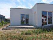 Moderný 4 izbový RODINNÝ DOM s garážou - BUNGALOV V SENCI