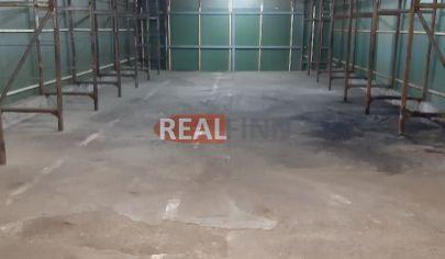 REALFINN - Nové Zámky -   Skladové priestory o rozlohe 165 m2  na prenájom v okrajovej časti mesta