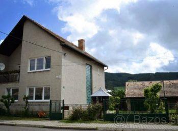 5-i dom  trojpodlažný,s PRIESTRANNÝMI izbami, POZEMOK 556 m2 v obci MÁLINEC okr. POLTÁR