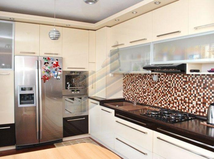 PREDANÉ - ĽUBOVNÍKOVÁ, 2-i byt, 120 m2 - s PREDZÁHRADKOU a TERASOU, tehla, nízkopodlažná novostavba s dvorom, VLASTNÉ KÚRENIE