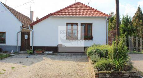 3 - izbový vidiecky domček 74 m2, pozemok 550 m2   Rajka