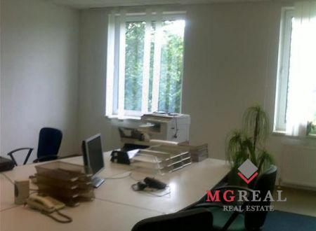 Prenájom dvoch kancelárií 25 a 18 m2, na Žatevnej ul., v Dúbravke.