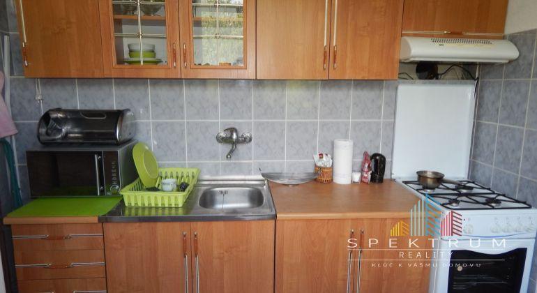 REZERVOVANE- Na Predaj 1 izbový byt, 37 m2, Handlová, Mostná