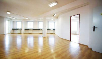 Moderné kancelárske-obchodné priestory 185 m2, výťah, balkón, parking, Žižkova ul. /  CENTRUM