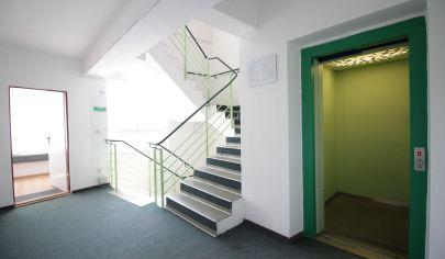 Moderné kancelárske / obchodné priestory 121 m2, výťah, parking, Žižkova ul. /  CENTRUM