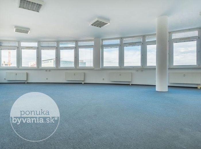 PREDANÉ - TOMÁŠIKOVA, kancelársky priestor, 58 m2 – svetlý a priestranný, alarm, plastové okná, KLIMATIZÁCIA, nákladný výťah, SUPER LOKALITA