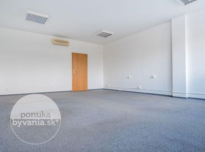 PREDANÉ - TOMÁŠIKOVA, kancelársky priestor, 101 m2 – svetlý, alarm, KLIMATIZÁCIA, nákladný výťah, TOP LOKALITA