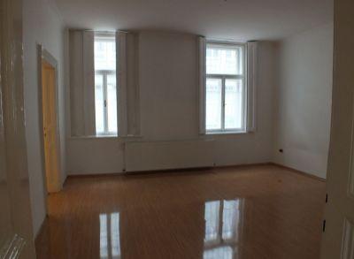 Classic Real ponúka na prenájom veľký 2-izbový byt, Lazaretská ul. BA I