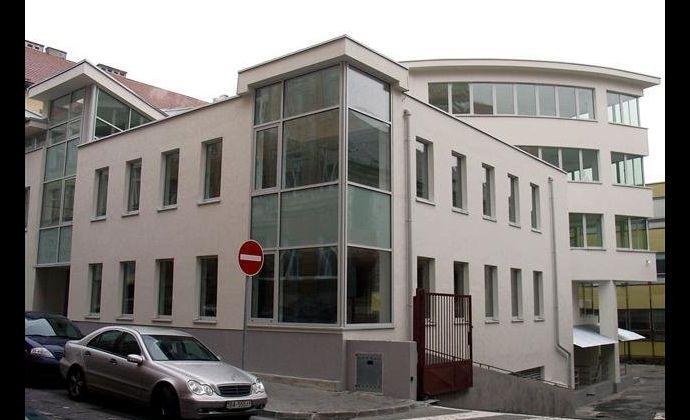 Nové kancelárske priestory v centre na prenájom - New office space in the centre for rent