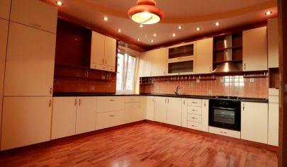 Jedinečná ponuka,3,5 izbový, skutočne rozľahlý 100m2, tehlový byt, predaj, Košice-sever, Tomášikova