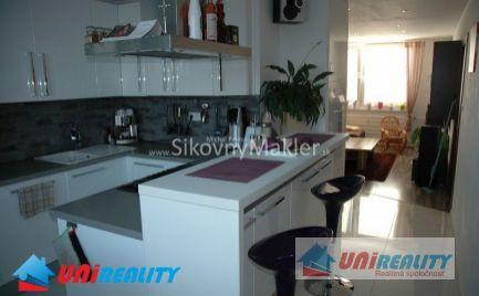 PREDANÉ - BÁNOVCE NAD BEBRAVOU- 3 izbový byt / DUBNIČKA / kompletná rekonštrukcia / IBA U NÁS !!!