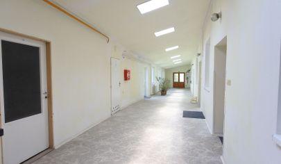 Exkluzívne v APEX reality - investičná nehnuteľnosť v centre HC na Pribinovej ul., pozemok 992 m2, všetky IS