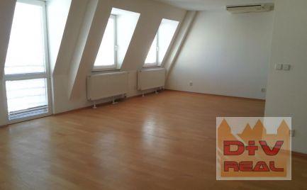 Predaj: 5 izbový byt, Nám. SNP, Staré Mesto, Bratislava I, mezonet s balkónom a terasou, nová nadstavba, výťah