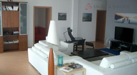 Prenájom nadštandardného 4 izbového bytu v novostavbe s 2 státiami na ulici Palisády