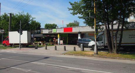 Exkluzívne na predaj budova s obchodnými priestormi, 1004 m2, Martin - centrum