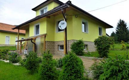 Moderne zariadený rodinný dom po kompletnej rekonštrukcii-Bacúch