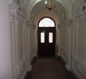 StarBrokers – Prenájom 3-izbového štýlového bytu v centre Starého Mesta
