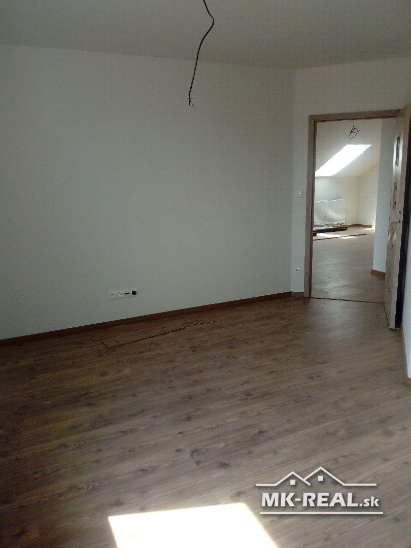 5izbový byt v obci Záhorska Ves