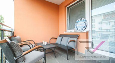 Na predaj menší 2 izbový byt v novostavbe s veľkým balk. 47m2 - NDCA