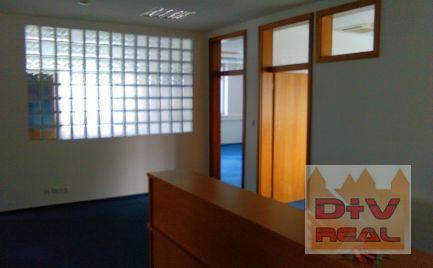 Predaj: Kancelársky priestor (138,90 m2) s príslušenstvom, celé poschodie v administratívnej budove