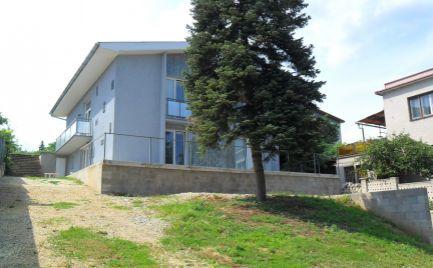 PRENÁJOM 7 izbový RD v Nitre na Zobore - vhodný na bývanie aj na sídlo firmy.