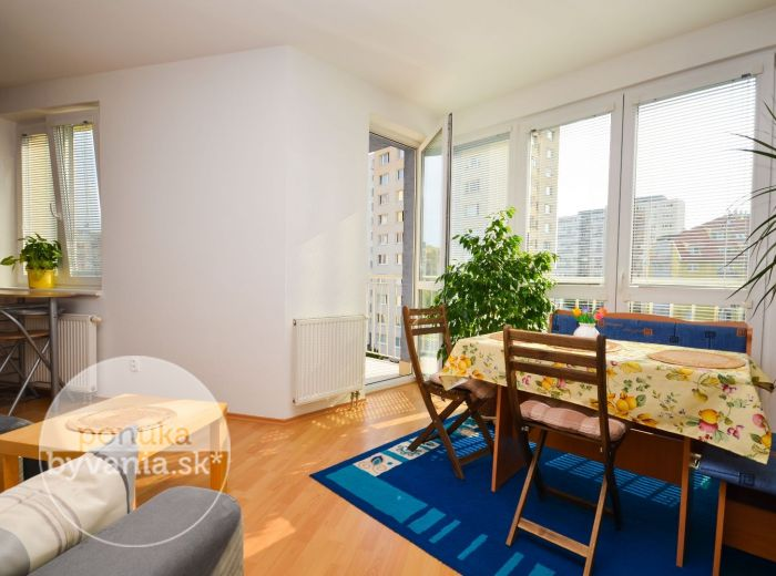 PREDANÉ - RUSOVSKÁ CESTA, 2-i byt, 44 m2 - TEHLA, balkón + francúzsky balkón, NOVOSTAVBA, vlastná KOTOLŃA