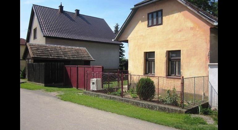 Rezervované - Rodinný dom s veľkou záhradou, v pôvodnom stave, Záblatie, Trenčín
