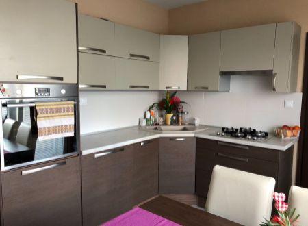 3 izbový byt  s balkónom Topoľčany / PRENAJOM