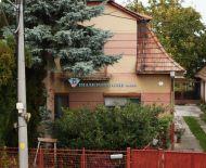 LEN U NÁS / DIAMOND HOME s.r.o. Vám ponúka na predaj 3 izbový rodinný dom v obci Michal na Ostrove.