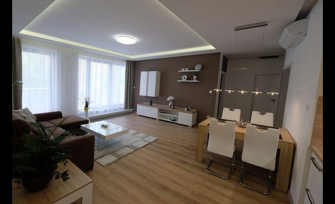 Prenájom zariadený 3-izbový byt v centre Cintorínska, garáž / Appartement meublé de 3-pièces à louer dans le centre ville de Bratislava, garage