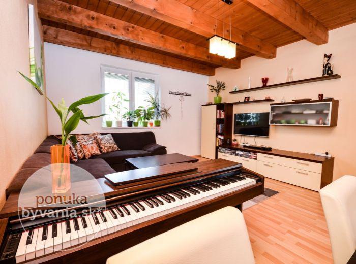 PREDANÉ - MANDĽOVÁ, 3-i byt, 67 m2 - so záhradkou, PRIVÁTNY AREÁL, novostavba, 2x parkovanie, ihneď VOĽNÝ