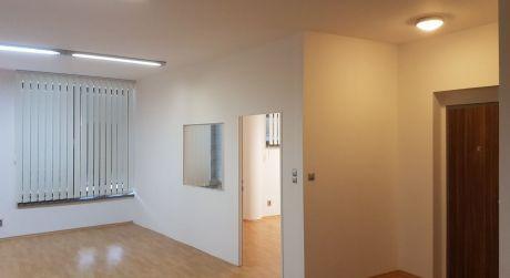 Na prenájom v novostavbe 2-izbový kancelária, resp. služobný byt  na ul. Podzámska v Nových Zámkoch