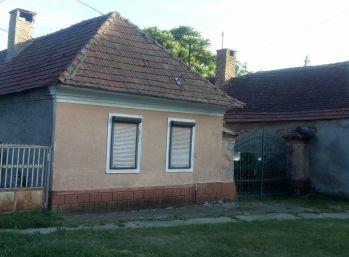 Predáme rodinný dom v pôvodnom stave - Maďarsko - Gonc - na veľkom pozemku