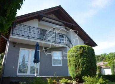 PREDAJ: 5 izbový rodinný dom, pozemok 828m2, Stupava , Nová ulica