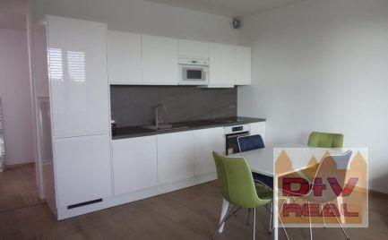 Prenájom: 2 izbový byt, Žižkova ulica, Zuckermandel, Bratislava I, Staré Mesto, zariadený, terasa, klimatizácia, parkovanie, výhľad na Dunaj