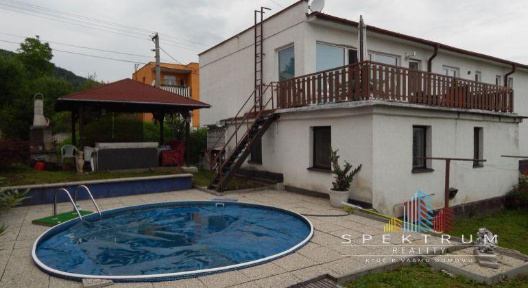 Exluzívne-Predaj 5 izbový rodinný dom, 869 m2, Handlová.
