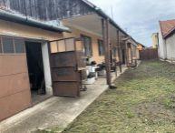 DOBRÁ CENA!! Dvojgeneračný rodinný dom, pekný pozemok o rozlohe 10á, obec Pavlice
