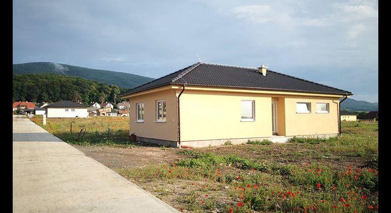 Predam 4 izbovy rodinny dom novostavba Plavecke Podhradie