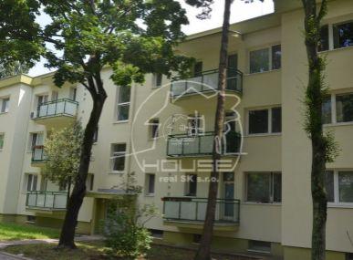 PREDAJ: 2 izb. byt, výmera 76 m2, sbalkónom, rekonštrukcia, Račianska ul., BA – Nové mesto