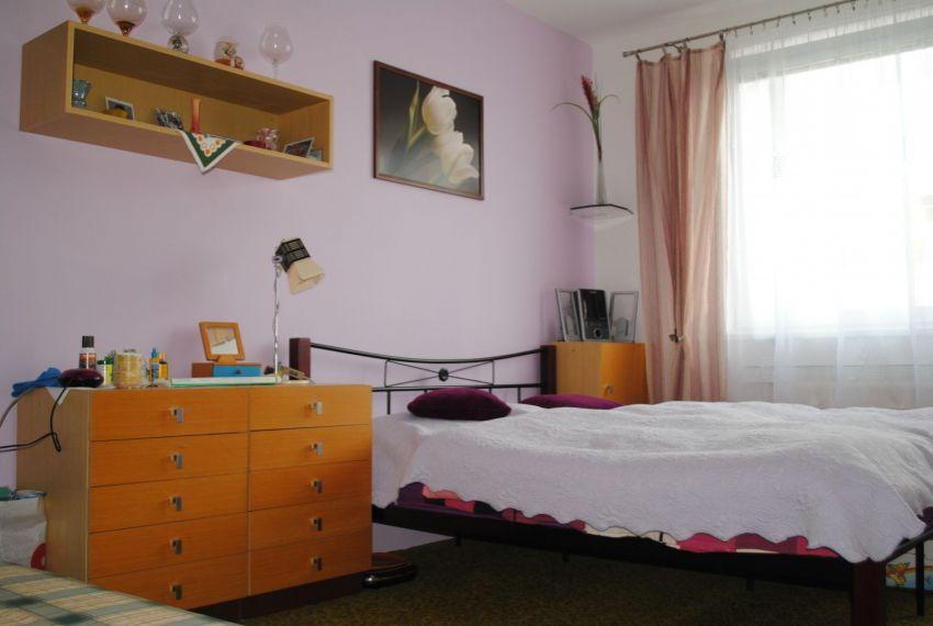 Prenájom 3 izbový byt Levice-3