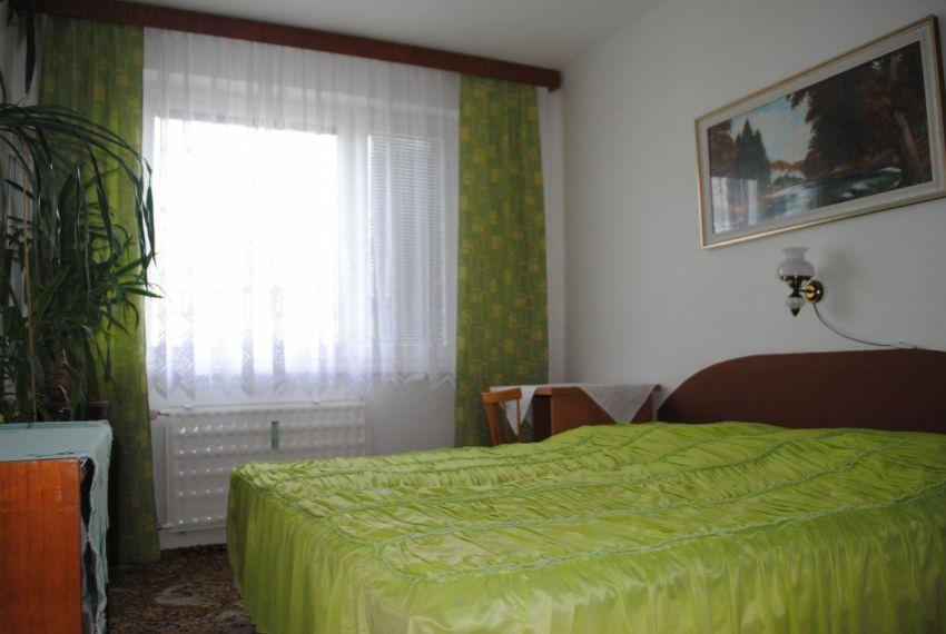 Prenájom 3 izbový byt Levice-4